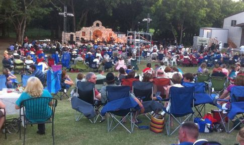 Outdoor Concert Wales Manor Winery and Vineyard McKinney TX