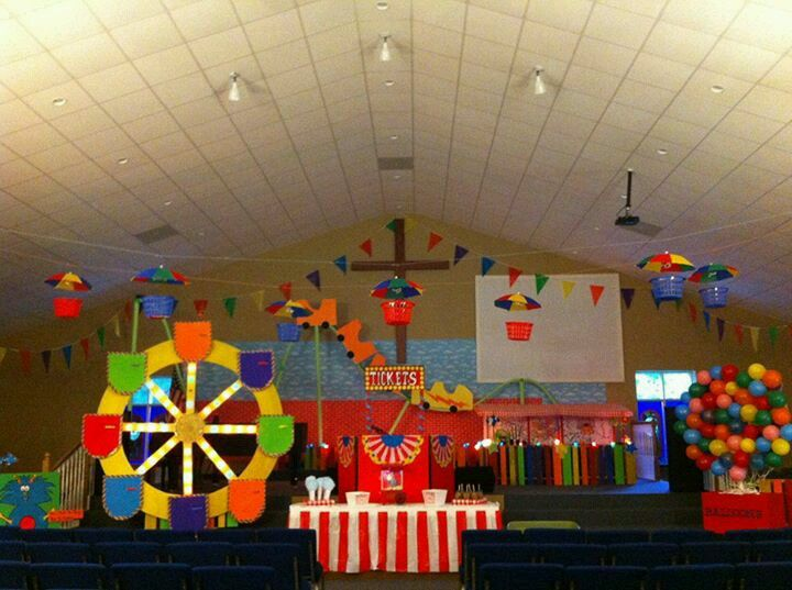Vbs love the little umbrella zip line vbs pinterest for Amusement park decoration ideas