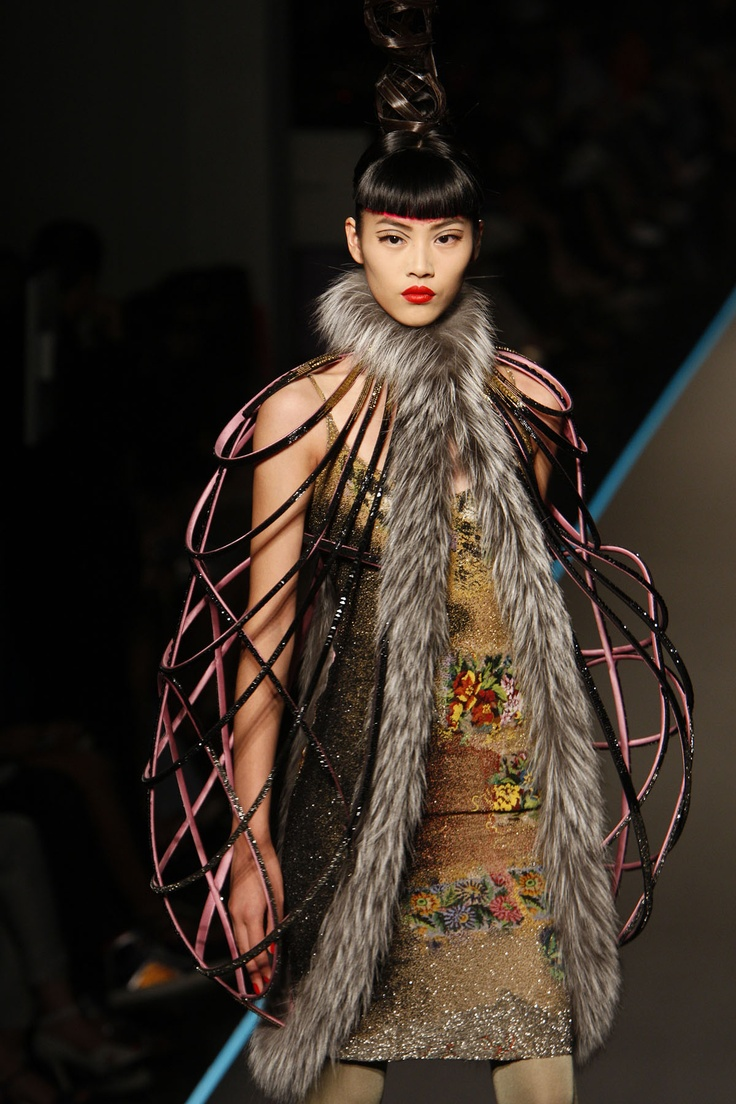 454 best images about jean paul gaultier on pinterest french designers haute couture and paris - Age de jean paul gaultier ...