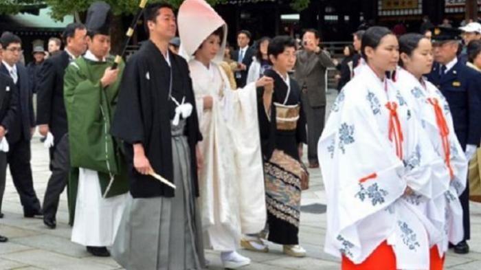 Survei Terbaru: Banyak Perempuan Jepang Masih Berstatus Perawan dan Tak Miliki…