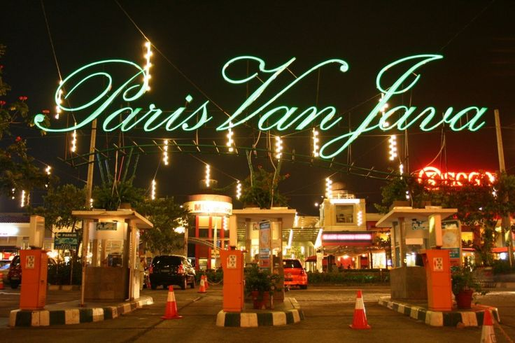 Bandung, Paris Van Java Mall: Wisata Keluarga di Kota Bandung