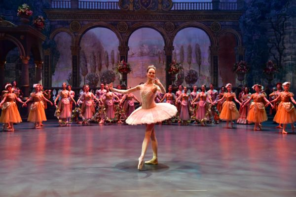 FROM RUSSIA TO THE USA – VALERY TODOROVSKY'S 'THE BOLSHOI' INSPIRES DANCERS WORLDWIDE