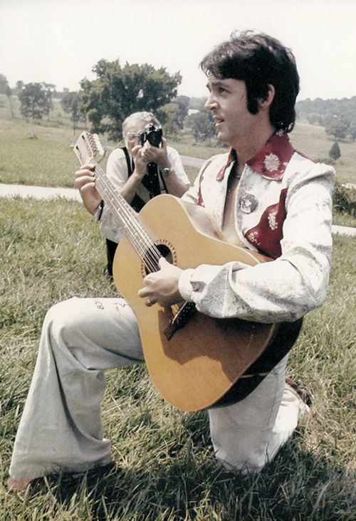OFFTOPIC: Unseen picture of Paul McCartney in Nashville, 1974.