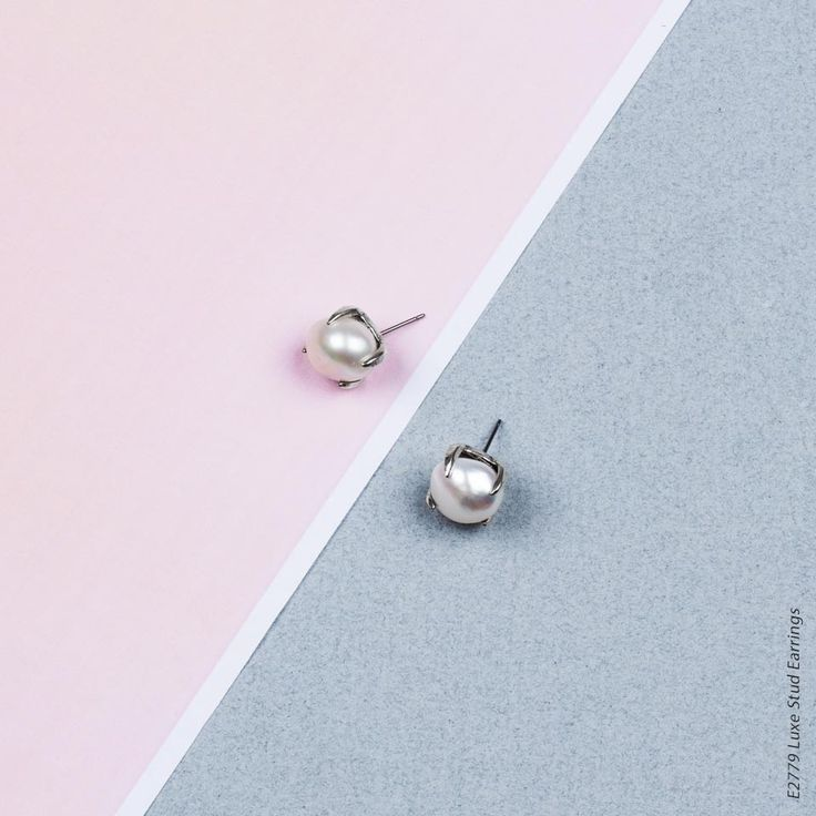 Petite Luxe Stud Earrings - Petite stud earrings in burnished silver plating adorned with lustrous white freshwater pearls E2770