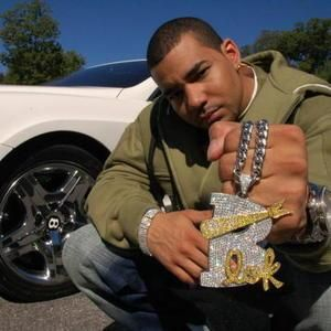 DJ Envy Record producer Date of Birth Sep 3, 1977 (40 years old) Profession Record producer, Disc jockey, Radio personality, VJ, Rapper Nationality United States of America DJ Envy net worth: DJ Envy is an American DJ who has a net worth of $6 million dollars. Born in Queens, New York, DJ Envy, also known …