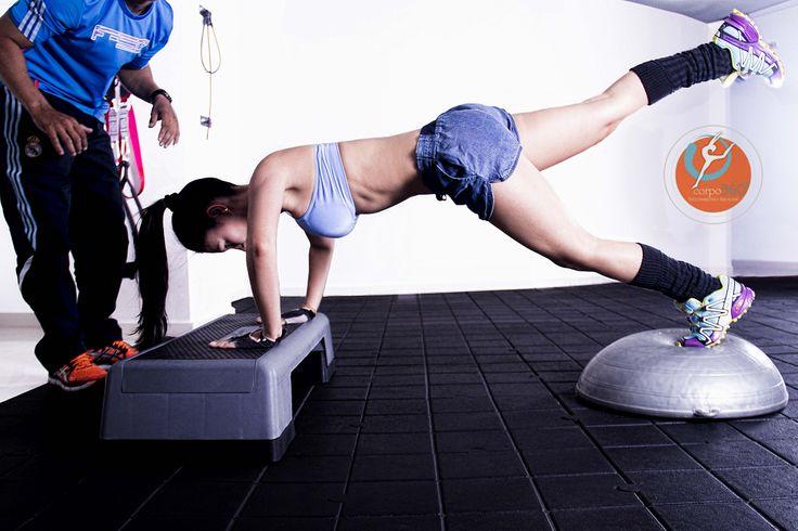 Ejercicio que involucra brazos, abdomen y piernas....excelente , intenso con efectividad....