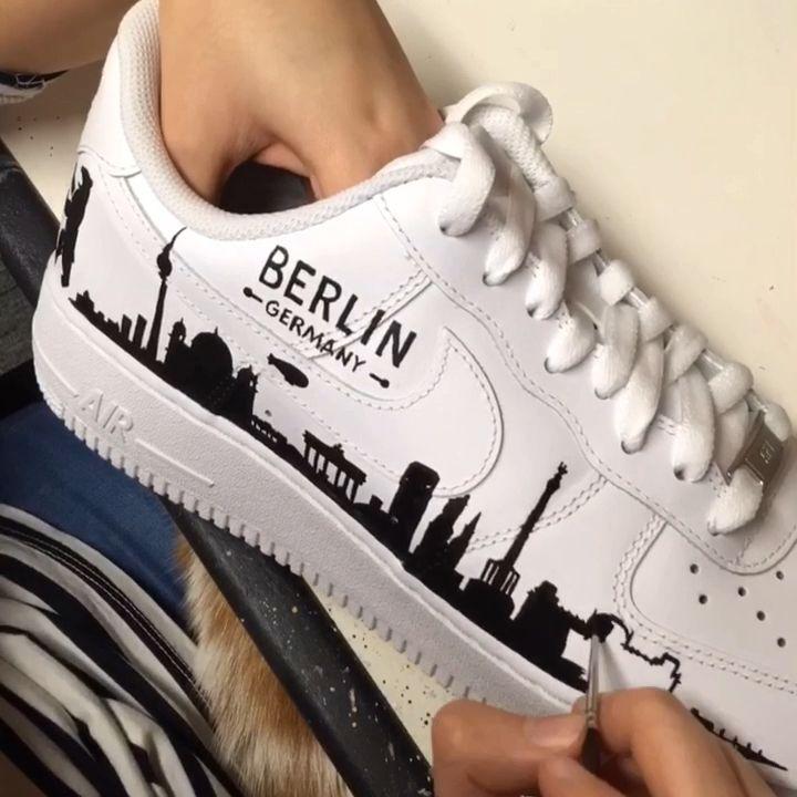 apagado Agarrar callejón  Berlin Silhouette Skyline Nike Air Force 1 Trainers #Air #Berlin #Force # Nike #Silhouette #Skyline #Trainers | Nike shoes air force, Custom nike  shoes, Nike air