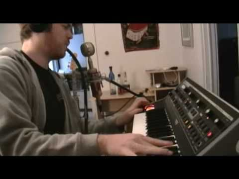 video moog little phatty and talk box electronic instruments r b dance music music. Black Bedroom Furniture Sets. Home Design Ideas
