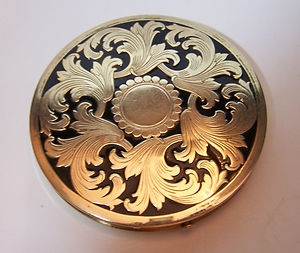 103 Best Vintage Powder Compacts Images On Pinterest