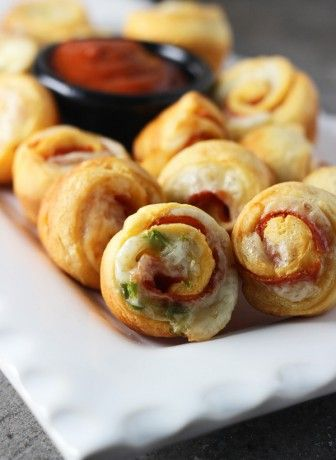 Pour l'apéro ! Supreme Pizza Poppers ~ Feel all the taste of pizza in one small crescent popper!
