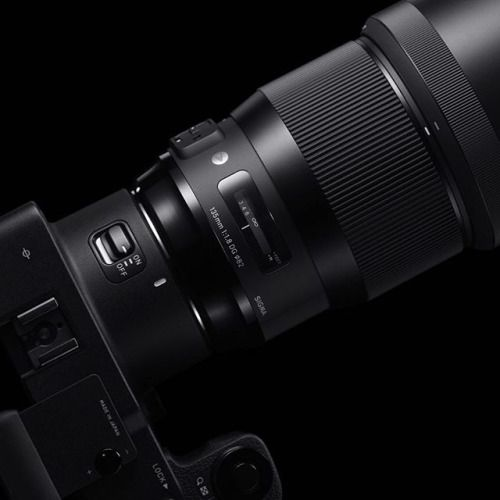The Sigma 135mm F1.8 DG HSM Art lens begins shipping soon at a street price of $1399.00 USD. Check the Bio link for more info! #sigmaphoto #dslr #135mm #sigma135mm #camera #cameras #photo #photography #photographer #cameralens #tech #sigmaartlens #primelens #portraitphotography #concertphotography #135mmlens #aperture #bokeh #fstop via Sigma on Instagram - #photographer #photography #photo #instapic #instagram #photofreak #photolover #nikon #canon #leica #hasselblad #polaroid #shutterbug…