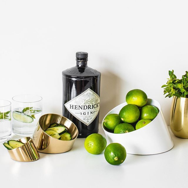 A gin and tonic is a popular cocktail that combines gin with tonic water and fresh lime or cucumber. It has that classic Gatsby vibe and is sure to be a winner at your next soirée, add the glamour of the gold Sfera bowl for serving, and you will be partying in style!