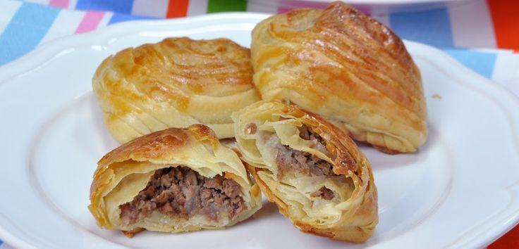 Samsa böreği, Hindistan, Pakistan ve Nepal'deçokça tüketilen, Portekizve Doğu Afrika'yada yayılmış bir Türk börekçeşididir. Bu ülkelerde genelde çok baharatlı yapılan böreğin…
