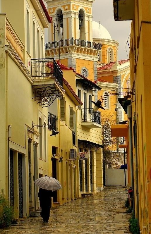 The old town. Would you like strolling in the narrow streets under the rain ?? #faceHellas