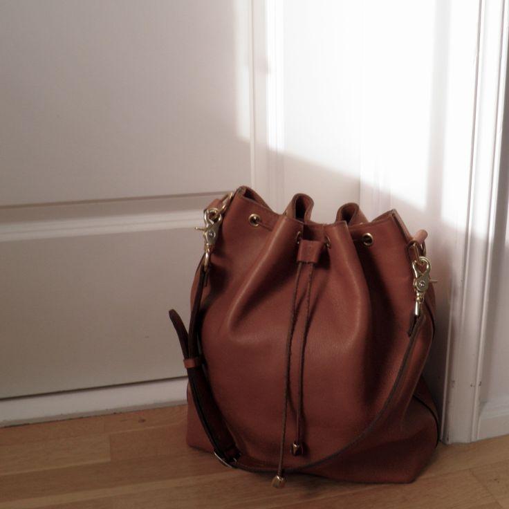 SILJE OPAAS | Large handmade bucket bag