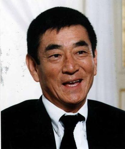 俳優の高倉健さん。2014年11月10日に亡くなられる前に「にんにく卵黄」のCMに出演し、演技力が素晴らしいとして話題になっています。高倉健さんがにんにく卵黄CMに出演したきっかけと口コミ反応をまとめてみたのでご紹介。