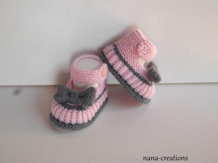 Chaussons bébé style babies tricotés main en laine layette rose et gris, 0/3 mois@nana-creations.Réservé.. : Mode Bébé par nana-creations