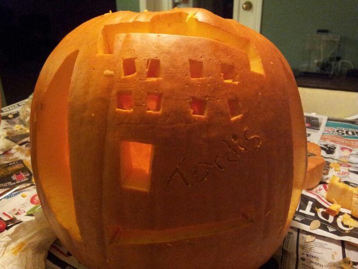 Tardis Pumpkin Carving for Halloween
