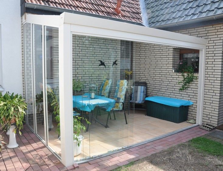 Veranda completa con fronte in scorrevoli in vetro e laterali in vetrate fiss...