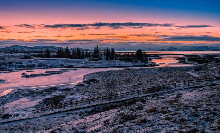 Cold dawn - - 20 grados, para un navideño amanecer islandés