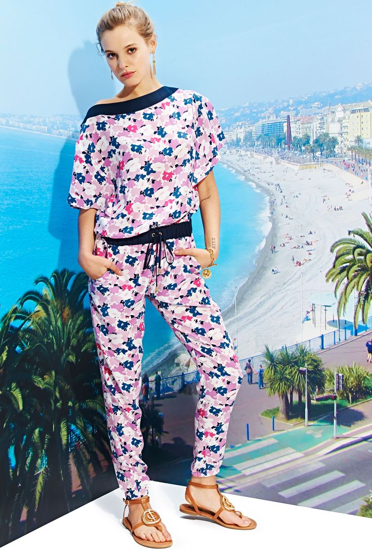 See the complete Juicy Couture Spring 2016 Ready-to-Wear collection.
