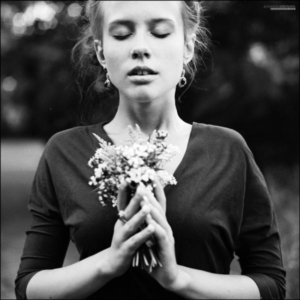 Emotive Portrait Photography by Russian photographer Alexandra Kirievskaya -- Black and White - Editorial - Pose