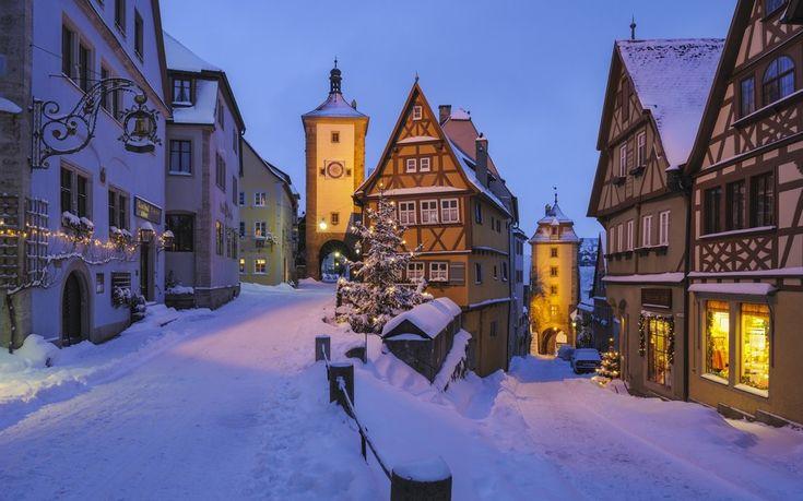 Ротенбург-на-Таубере, Германия Один из красивейших средневековых городов Баварии располагается высоко над долиной реки Таубер. Городу Ротенбург-на-Таубере больше тысячи лет, однако ему удалось сохранить свою первозданность.