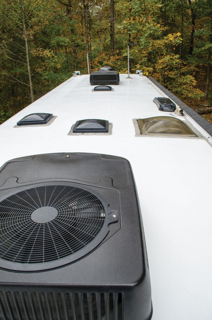 Reduce the mess — and the slippery slopes — with near-waterless fiberglass roof cleaning  Cleaning the roof of a motorhome is never a particularly easy task, but some ways of keeping i…