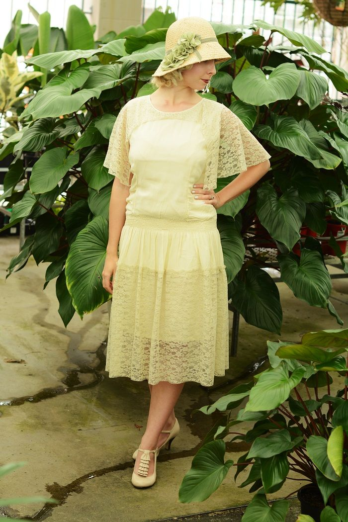 1920s style Modcloth hat and 1920s style Unique Vintage Dress. #uniquevintage   http://www.deco-darling.com