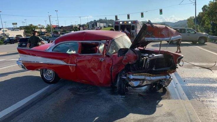 Pin by Skeeter Arnold on Wrecked Beauties Classic cars