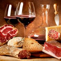 Full or multi day tours allow you to experience the food and the great wines of Piedmont, Veneto, Tuscany and Umbria. Guests will be introduced to the local producers of the regions' specialties and its famous wineries. Expert sommeliers will escort you through the magic of wine. Expert chefs will let you discover the real taste of food, teaching you also how to cook a delicious Italian dish.