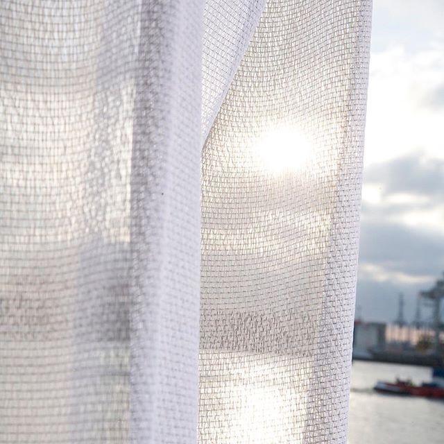 The evening sun through the textured surface of the PLAY curtain. #Kinnasand #textiles #isaglink #curtains #warp