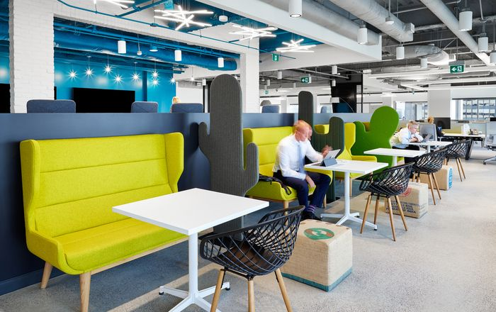 figure3 has designed the new offices of well-established insurance company Aviva Canada, located in Toronto, Canada