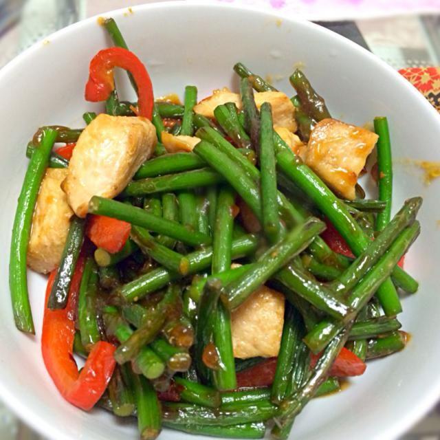 元気が出る料理! - 11件のもぐもぐ - にんにくの芽炒め鶏肉ver. by @sa