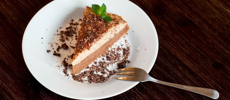 Gaštanová tortička Pretože #gaštany k jeseni patria a trochu tuku naviac sa bude v zimných mesiacoch hodiť…:) #jedlégaštany #torta #dezert http://varme.sk/recipe/gastanova-torticka/