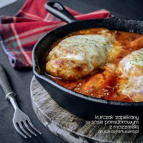 kurczak zapiekany w sosie pomidorowym z mozzarellą