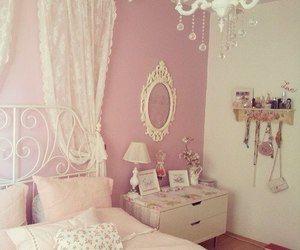 Love #bedroom #decorating #pink