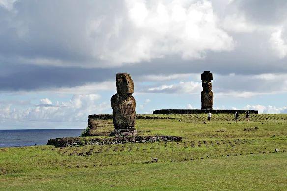 Комплекс Аху Тахай (Ahu Tahai). Остров Пасхи, Чили