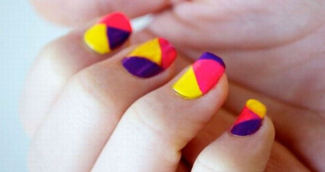 Nail color blocking.  I can't read it, but the pictures tell it all