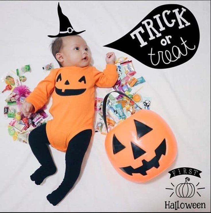 bebes de halloween trick or treat fotos de halloween Baby First Halloween Costume, Babys 1st Halloween, Happy Halloween, Photo Halloween, Halloween Bebes, Toddler Halloween, Halloween Ideas, Baby Pumpkin Costume, Family Halloween