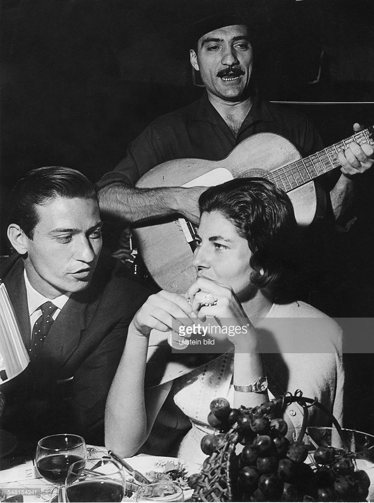 Soraya (Esfandiary Bakhtiary) *-+ Kaiserin von Persien 1951-1958, Iran - mit Jose Munioz im Nachtclub 'Pirat' in Cap Martin -