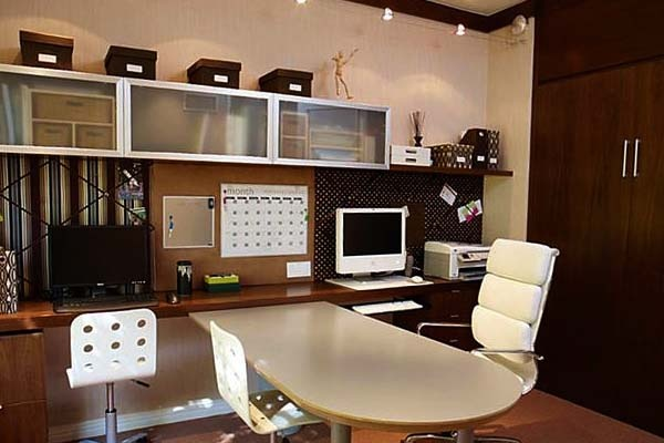 Some Simple Design Home Office Furniture can design beautiful and has a simplicity typical of captive Office Furniture Design. Home offices are increasingly popular today because of improved technology. With the advent of the Internet, the number of professionals who work at home grows.