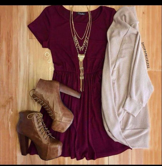 Bordowa sukienka z krótkim rękawem