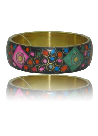 Colourful Stone Simple Brass Kada Rs. 199.00  Availability: In stock      Description     Additional Information     Comments   Perfect to accessories with your favorite sundress  Erosion free durable body material  Erosion Easy to slip on  Sits comfortably around the wrist
