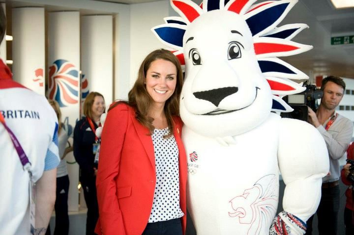 Pride the Lion with the Duchess of Cambridge - Team GB #olympics #teamgb #lion #mascot #costume