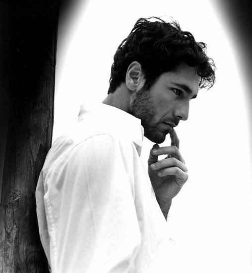 """Ah gli uomini italiani... Raoul Bova je suis tombé amoureuse de lui dans """"sous le soleil de Toscane"""""""