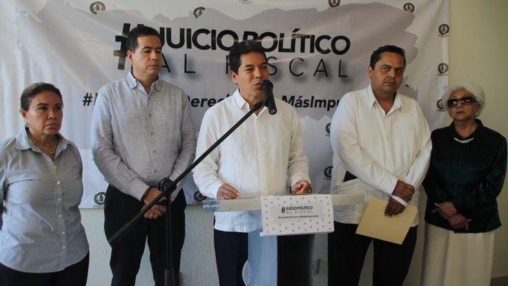 Entregan solicitud de Juicio Político en Congreso contra el Fiscal de Guerrero