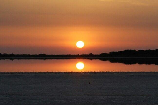 Sardegna, alba a torre salinas