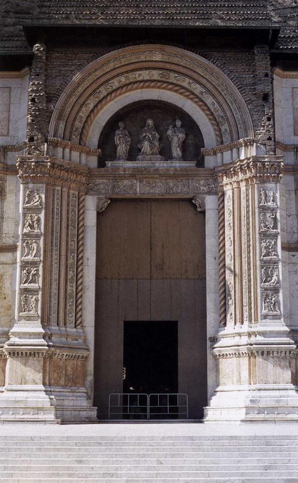 Portale Maggiore di San Petronio realizzato da Jacopo della Quercia