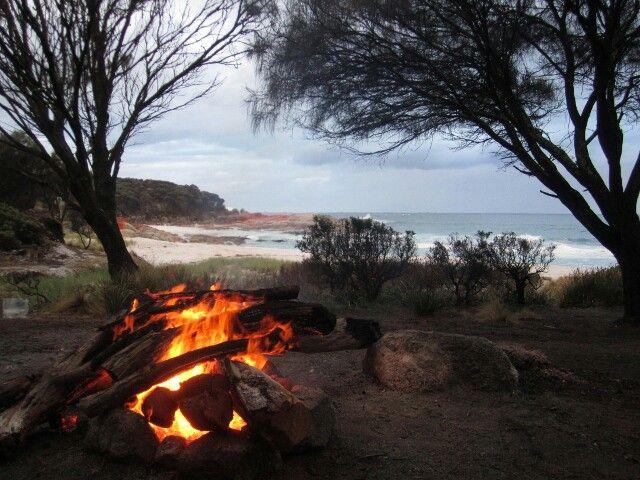 Free camping at Bay of Fires, Tasmania